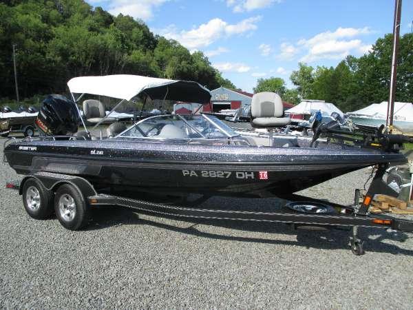 Skeeter SL 210