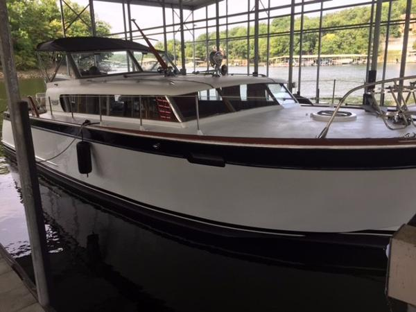 Chris-Craft Roamer 1962 Chris-Craft 35 Roamer