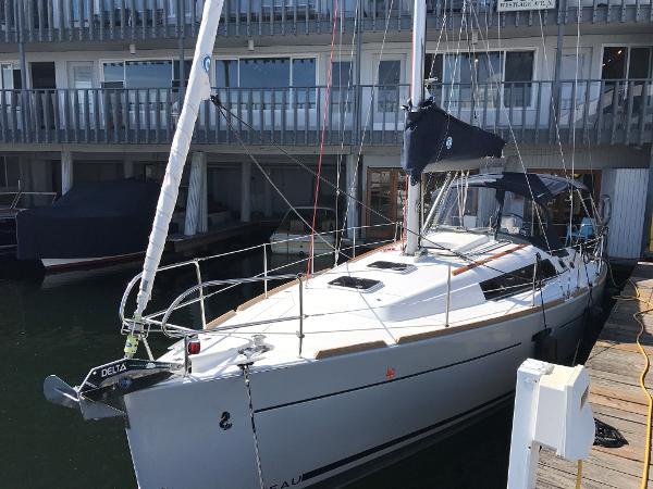 Beneteau Oceanis 34 Like New 2014 Oceanis 34