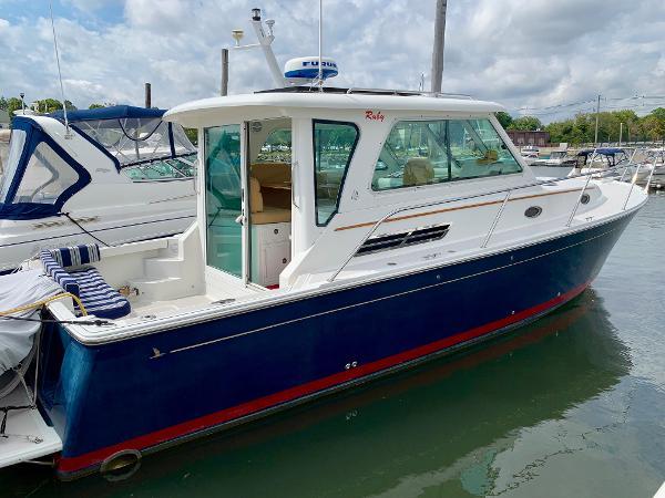 Back Cove 33 Profile, Starboard