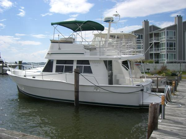 Mainship 350 Trawler Port Side