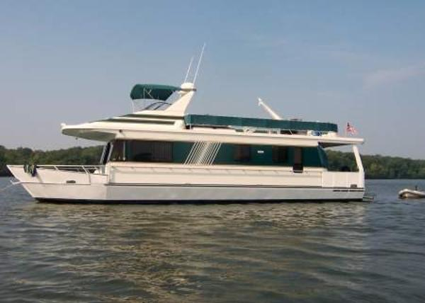 Monticello River Yacht 16.3' x 60'