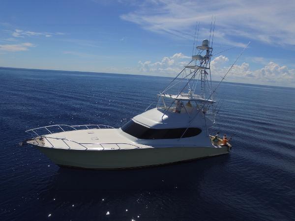 Hatteras 64 CNV OPEN Aerial profile