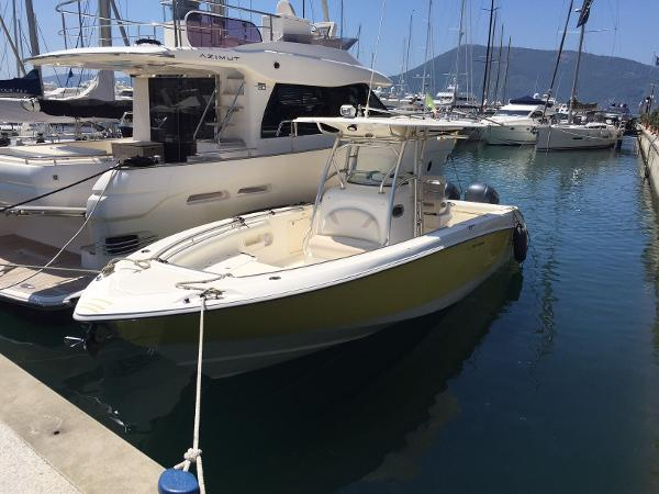 Boston Whaler Outrage 320 b5
