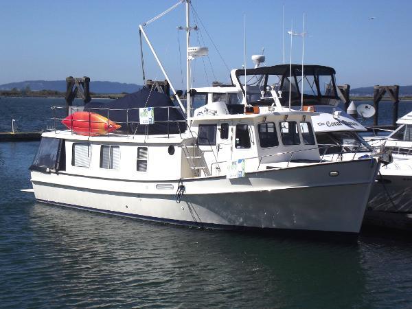 Pacific Trawler 40 Pilothouse