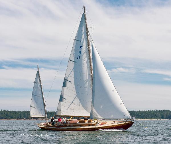 Herreshoff Fishers Island 31