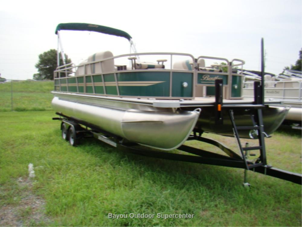 Bentley 240 Fish RE (Green w/Evinrude Controls)