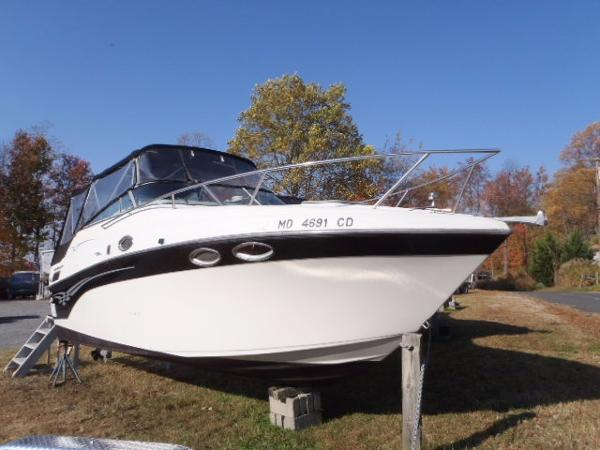 Crownline 262 CR Starboard Bow
