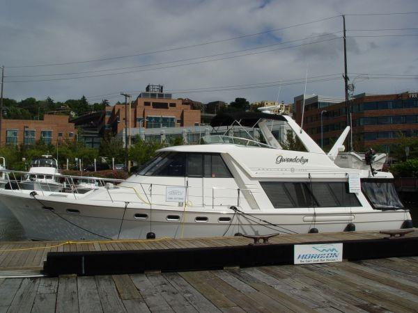 Bayliner 4788 Pilothouse Sister ship photo