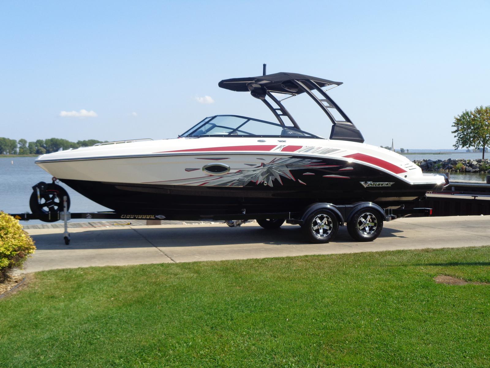 Vortex Boats 2430 VRX