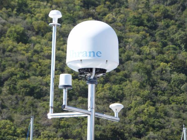 Nav/Com mast