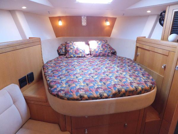 Fwd guest double cabin