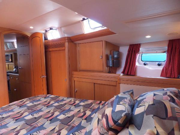 Fwd cabin looking forward