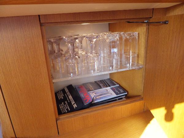 Saloon glass locker