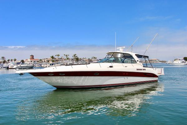 Sea Ray 460 Sundancer Port Bow