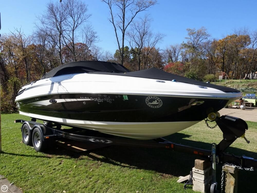 Sea Ray 240 Sundeck 2012 Sea Ray 240 Sundeck for sale in Coraopolis, PA