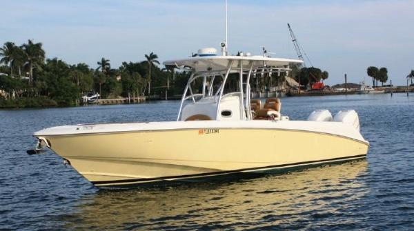 Boston Whaler Outrage Sistership image