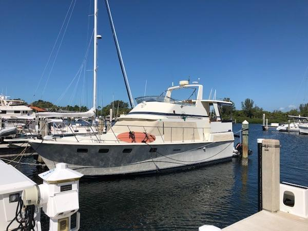 Marine Trader 43' Tradewinds Motor Yacht Main Profile
