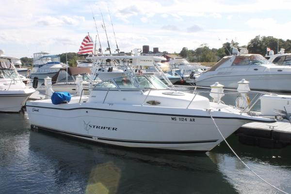 Seaswirl Striper 2600 Walkaround