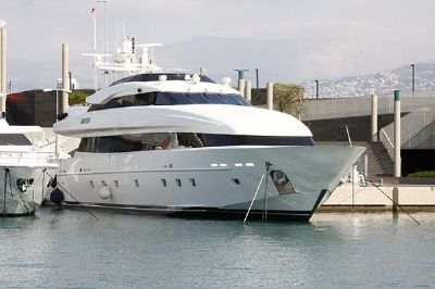 Outer Reef Trident 39m