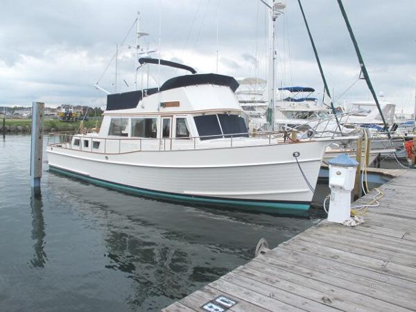 Grand Banks 42 Classic Grand Banks 42 Classic