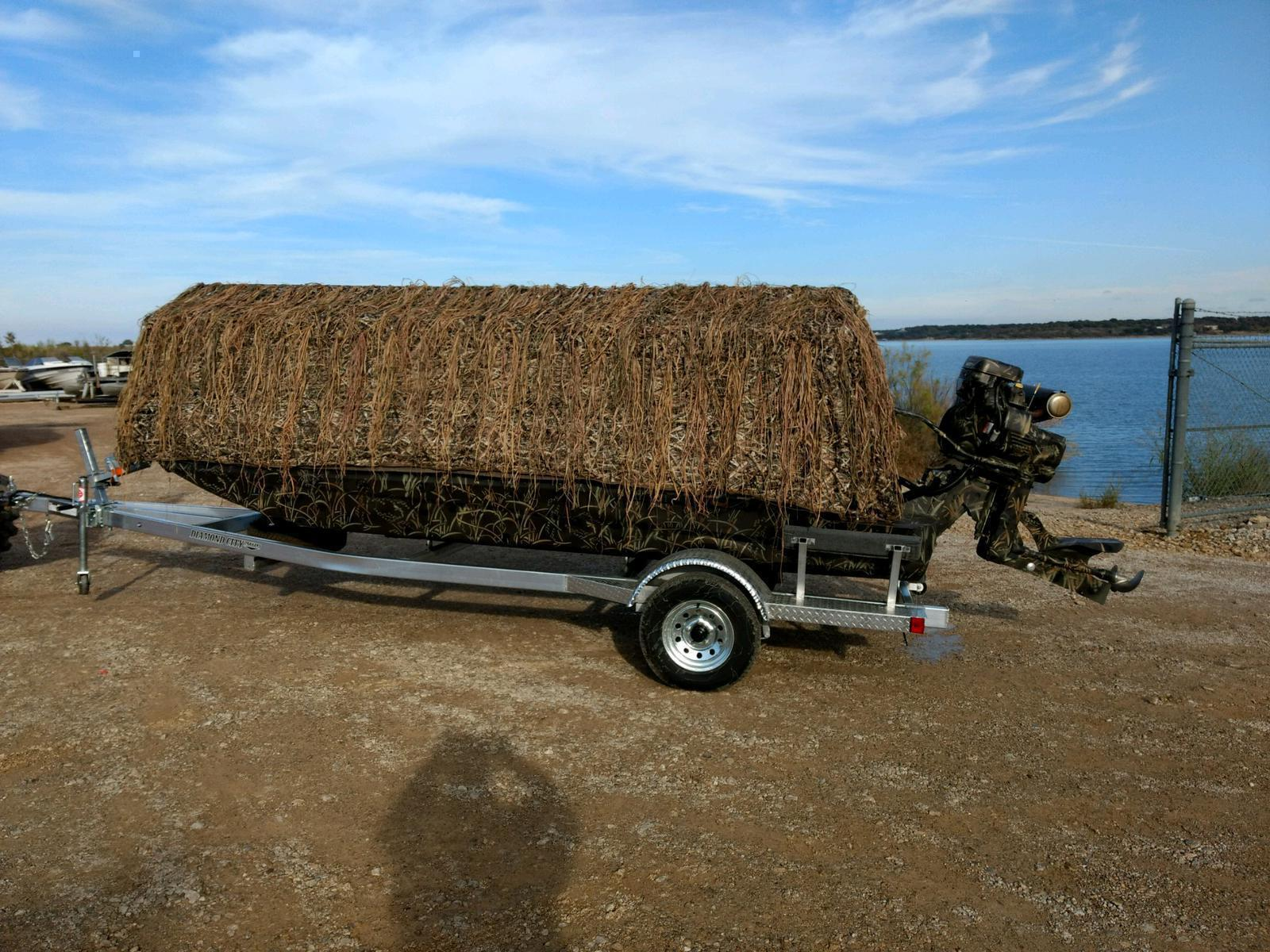 Excel DEMO 1754 SHALLOW WATER W/MUDBUDDY ULTIMATE DUCK HUNTING BOAT