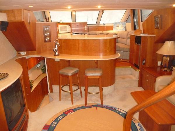 Silverton 453 Motor Yacht Salon