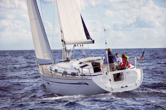 Bavaria 37 Cruiser Photo 1