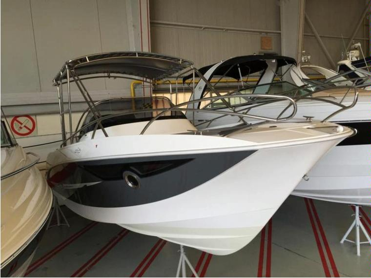 Galia Boats Galia 700 Sundeck 225 PS Yamaha Motorboot