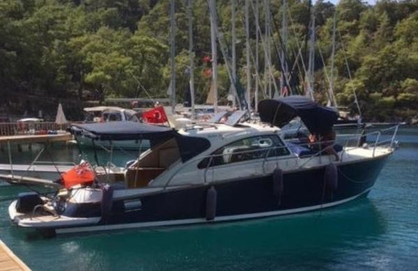 Blue Sailor's Shipyard Cabin Cruiser 34
