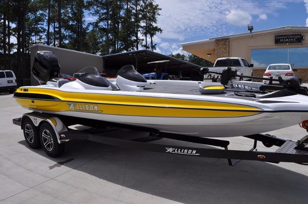 Allison Boats XB-21 XST