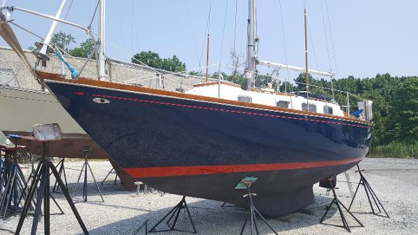 Tartan Centerboard sloop Tartan 34 - Yankee Peddler