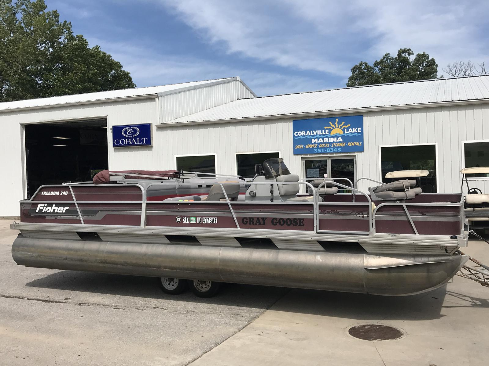 Fisher Boats Freedom 240 Fish