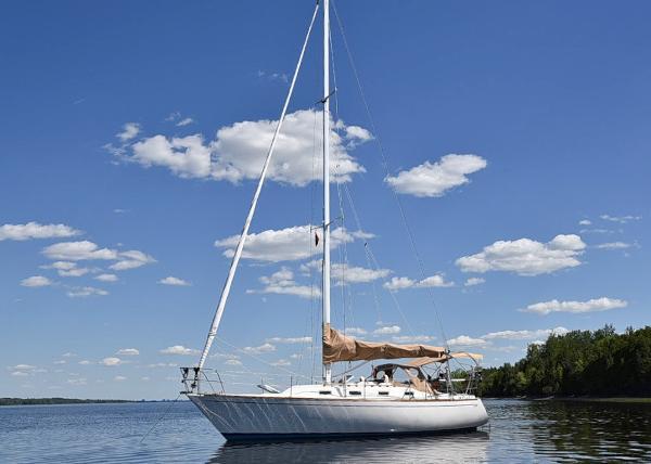 Tartan 34-2 sloop Port Profile at Anchor