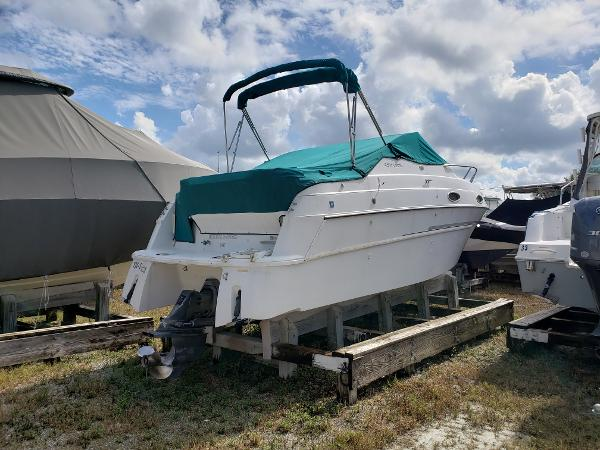 Four Winns 258 Vista Lightly Used 25' Express
