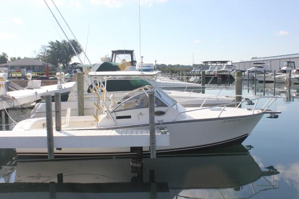 Albemarle 280 Express Fisherman Starboard side