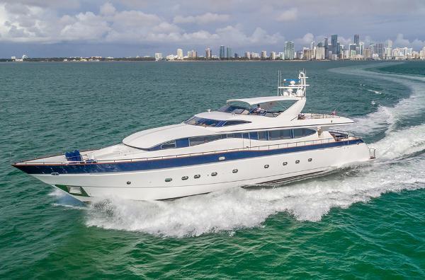 Viking Sport Cruisers 108 Motor Yacht