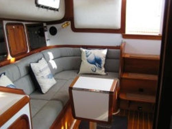Cabin, looking aft