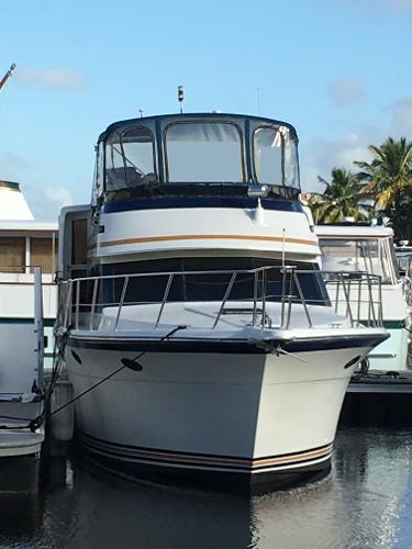 Carver Californian 48 Motor Yacht