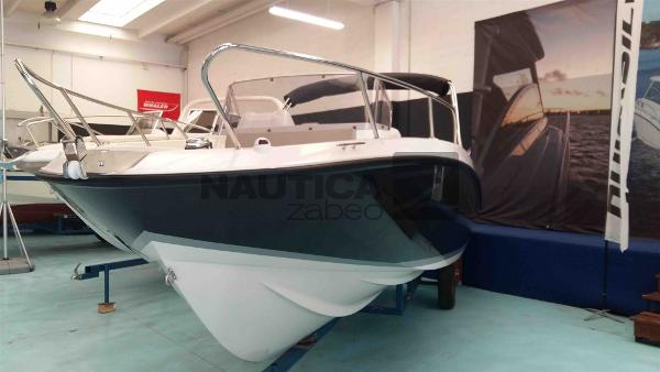 Quicksilver Activ 675 Sundeck (Nuova New) Quicksilver 675 1