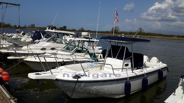 Boston Whaler 26 Outrage BOSTON 26