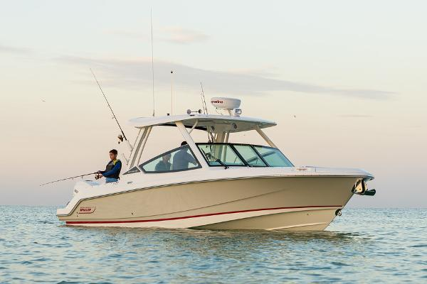 Boston Whaler 280 Vantage Manufacturer Provided Image