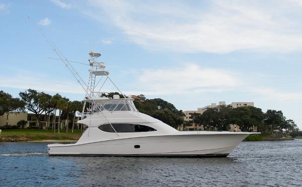 Hatteras 68' Sportfish