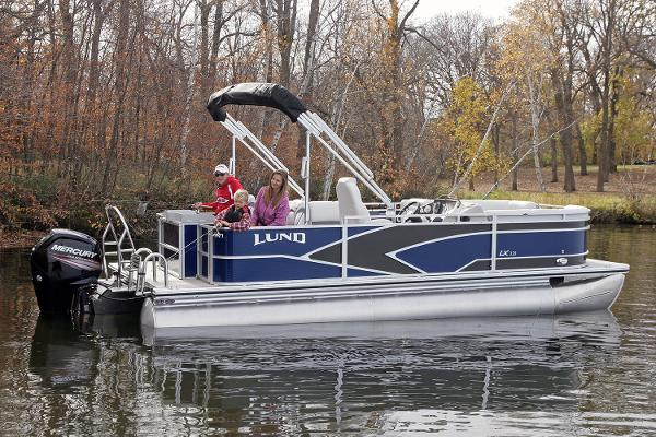 Lund LX220 Pontoon Fish