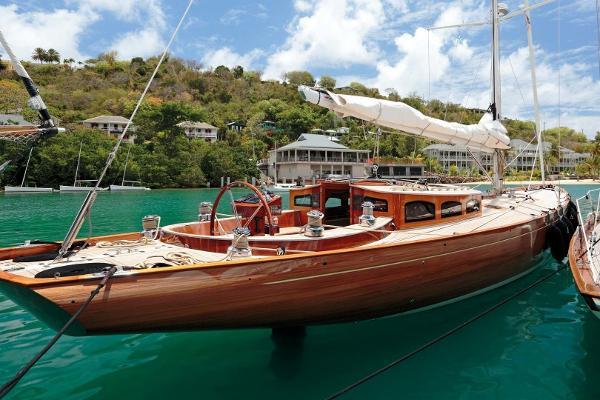 Spirit Yachts 60DH