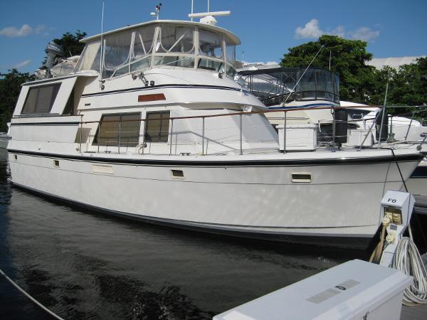 Atlantic 47 Flybridge Motor Yacht