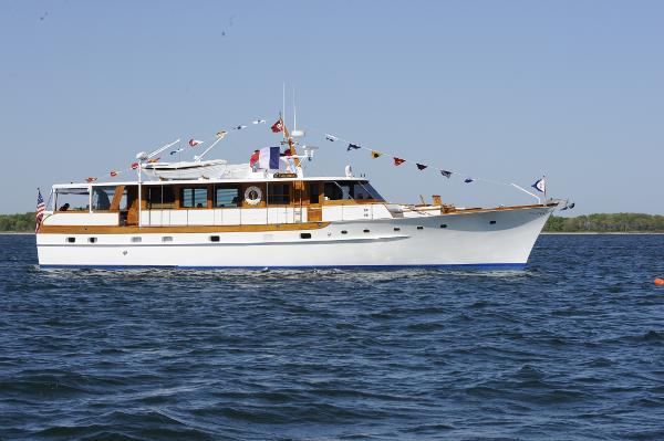 Trumpy Classic Houseboat