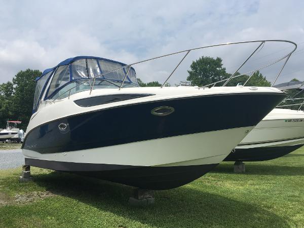 Bayliner 285 Starboard Bow