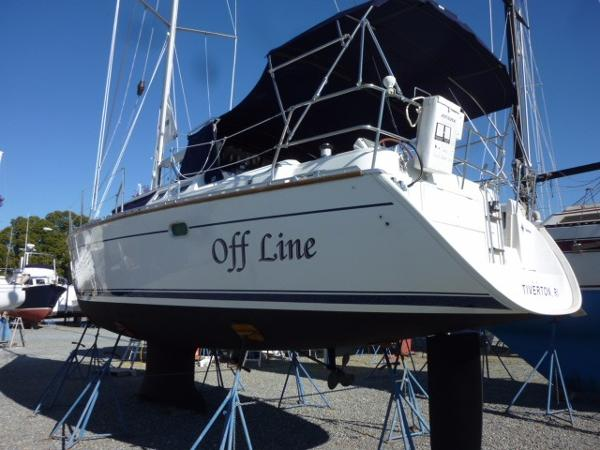 Jeanneau 43 Deck Salon Off Line