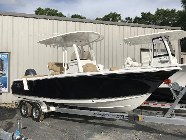 Sea Hunt Ultra 235 SE